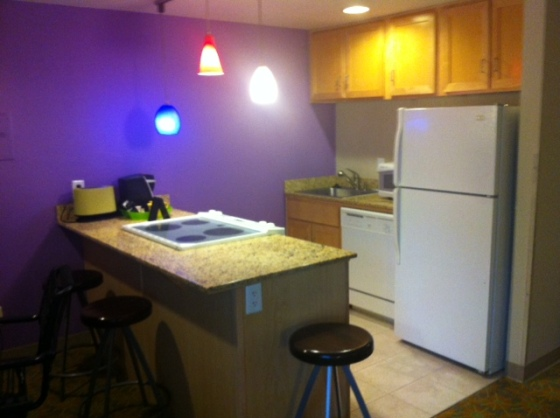 This isn't a kitchenette, it's a kitchen.